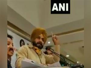 Punjab Congress row: Won't spare anyone if not allowed to take decisions, warns Sidhu
